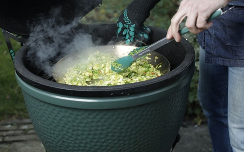 Big Green Egg pánev Stir-Fry Paella