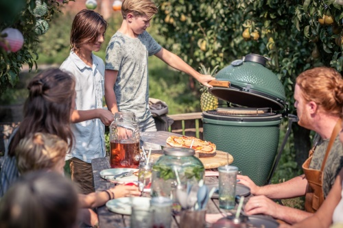 Big Green Egg Medium a pojízdný stojan